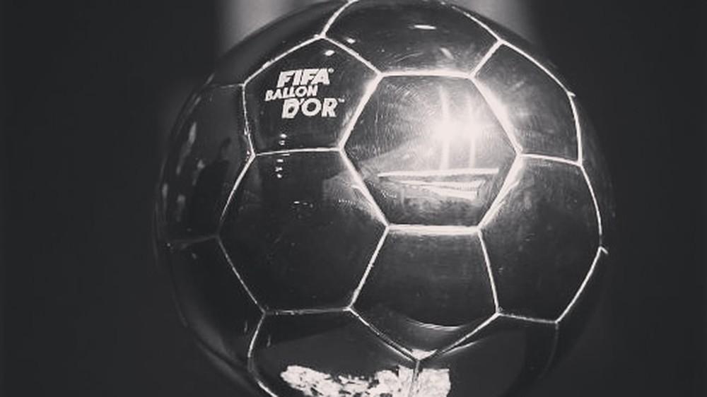 Bola de Ouro em preto e branco