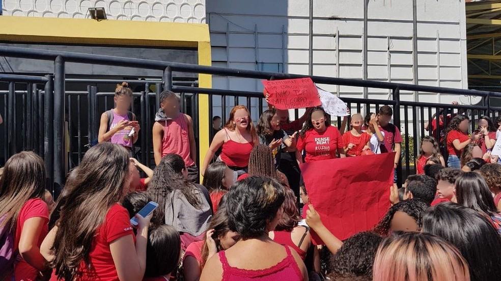 Postagens sobre a mobilização usavam a hashtag #SegundaVermelha (Foto: Reprodução/ Redes sociais)