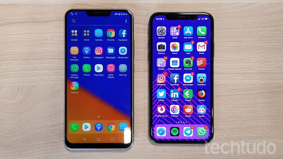 Zenfone 5 (esquerda) tem tela maior que a do iPhone X (direita), da Apple — Foto: Thássius Veloso/TechTudo