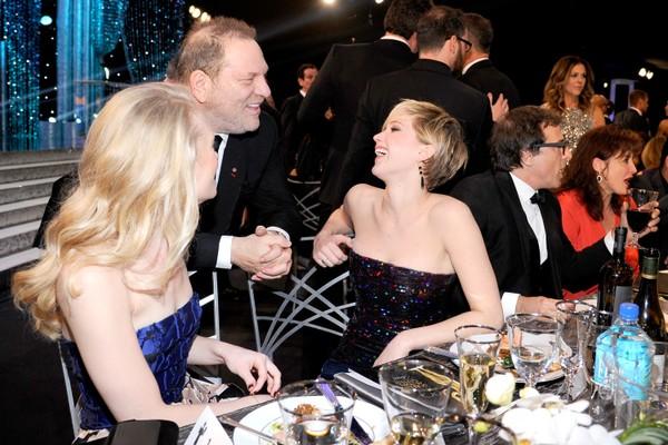 A atriz Jennifer Lawrence e o produtor Harvey Weinstein em um evento em Hollywood no ano de 2014 (Foto: Getty Images)
