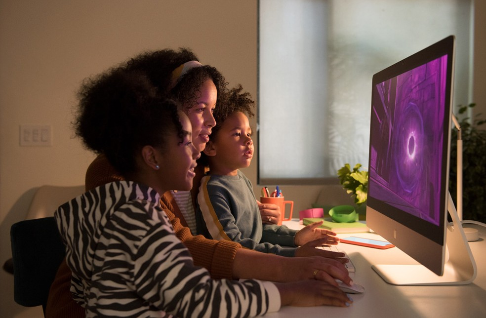 O desempenho do computador é um dos critérios que deve ser levado em conta na hora de escolher o modelo que comprar — Foto: Divulgação/Apple