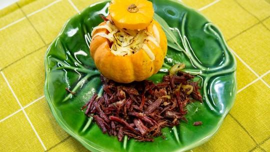 Minimoranga recheada com carne seca da Helga Nemeczyk
