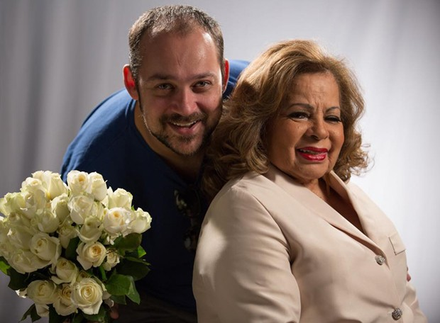 Thiago Marques Luiz e Angela Maria (Foto: Reprodução/Facebook)