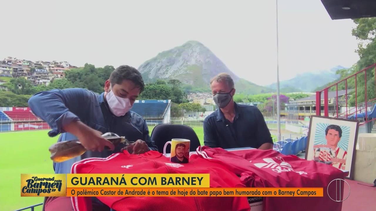 'Guaraná com Barney Campos': Polêmico Castor de Andrade é tema de bate-papo bem humorado