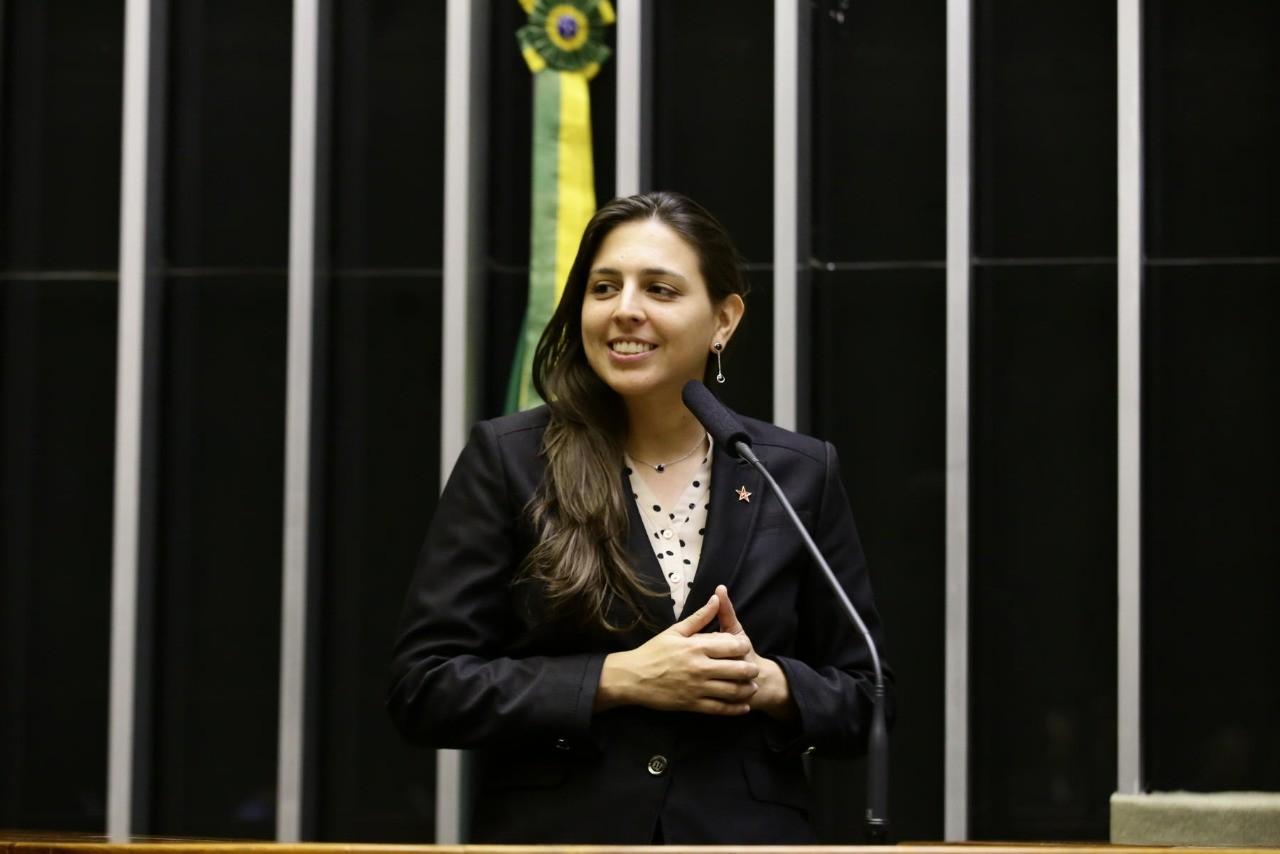 Deputada federal Natália Bonavides testa positivo para Covid-19