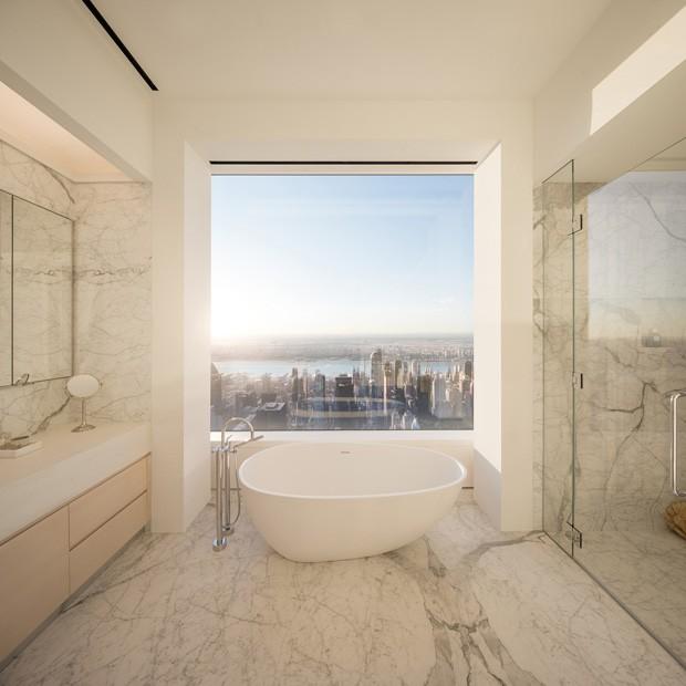 Banho de um apartamento na Park Avenue, 432, onde a cantora Jennifer Lopez comprou um apartamento com seu namorado (Foto: DBOX for CIM Group/Macklowe Properties / Reprodução)
