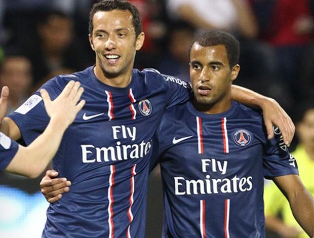 Sem definir futuro, Nenê rasga elogios a Lucas no Paris Saint-Germain