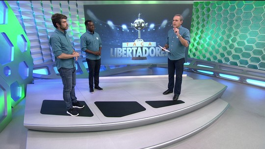 """Comentarista sobre arbitragem em derrota do Vasco: """"Interferência direta no resultado"""""""