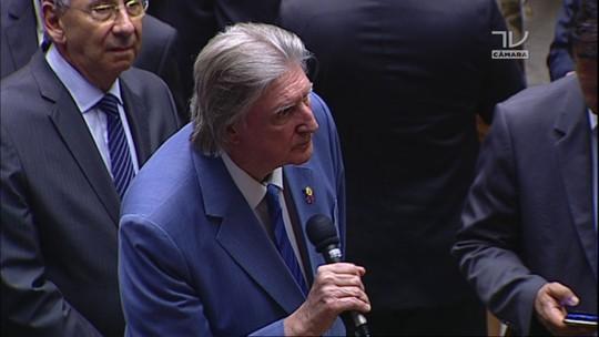 Deputado Sérgio Reis (PRB-SP) anuncia voto