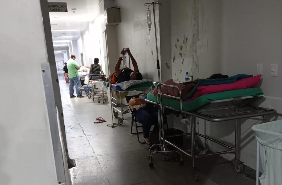 Idosa de 75 anos sofreu AVC e, segundo a filha, ficou três dias no corredor do Pronto Socorro por falta de leito — Foto: Arquivo pessoal