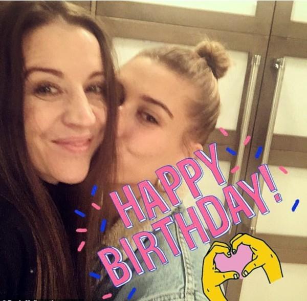 Pattie Mallette e Hailey Baldwin (Foto: Instagram)