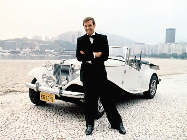 O MP Lafer usado pelo ator Roger Moore no filme 007 Contra o Foguete da Morte (1979), rodado no Brasil  (Foto: Marcus Steinmeyer)
