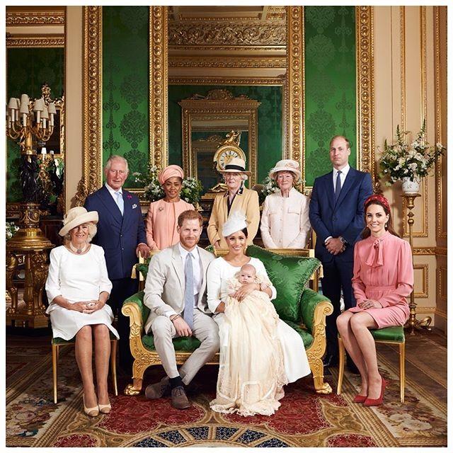 Família real no batizado do pequeno Archie (Foto: reprodução Instagram)