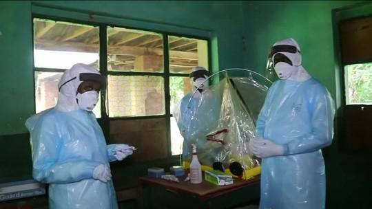 OMS: Chance de ebola se espalhar para outros países na África é 'muito elevada', mas não há emergência global