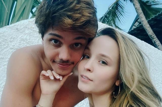 Léo Cidade e Larissa Manoela (Foto: Reprodução/Instagram)