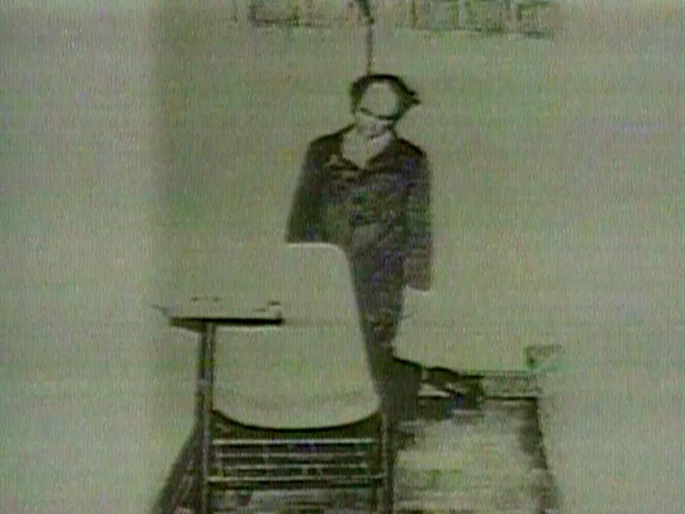 Vladimir Herzog teria se suicidado, na versão dos militares, contestada pela família (Foto: Reprodução/Globo News)