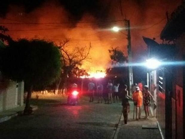Incêndio em Sumé, na Paraíba (Foto: Jacqueline Oliveira/Arquivo pessoal)