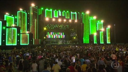 Festa de fim de ano em Salvador entra neste sábado (30) no terceiro dia