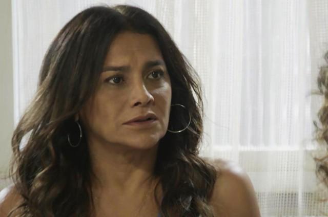 'Verão 90': Dira Paes é Janaína (Foto: TV Globo )