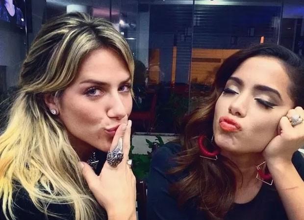Anitta se diverte ao compartilha áudio de Giovanna Ewbank cantando (Foto: Reprodução)
