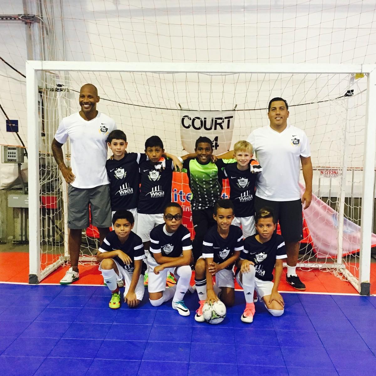 Ex-jogador brasileiro funda time em Washington para filho conhecer o futsal   da0194d54bf24