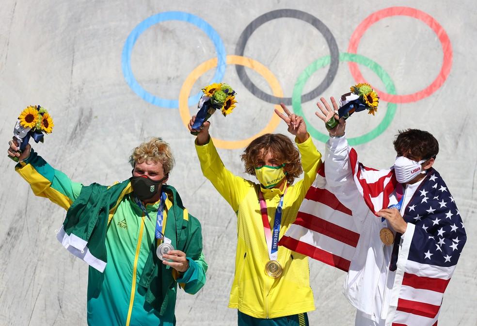 Pedro Barros, Keegan Palmer e Cory Juneau no pódio do skate park — Foto: REUTERS/Lisi Niesner