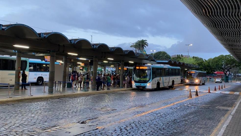 Movimentação tranquila no Terminal da Parangaba em Fortaleza. — Foto: Isaac Macêdo/Sistema Verdes Mares