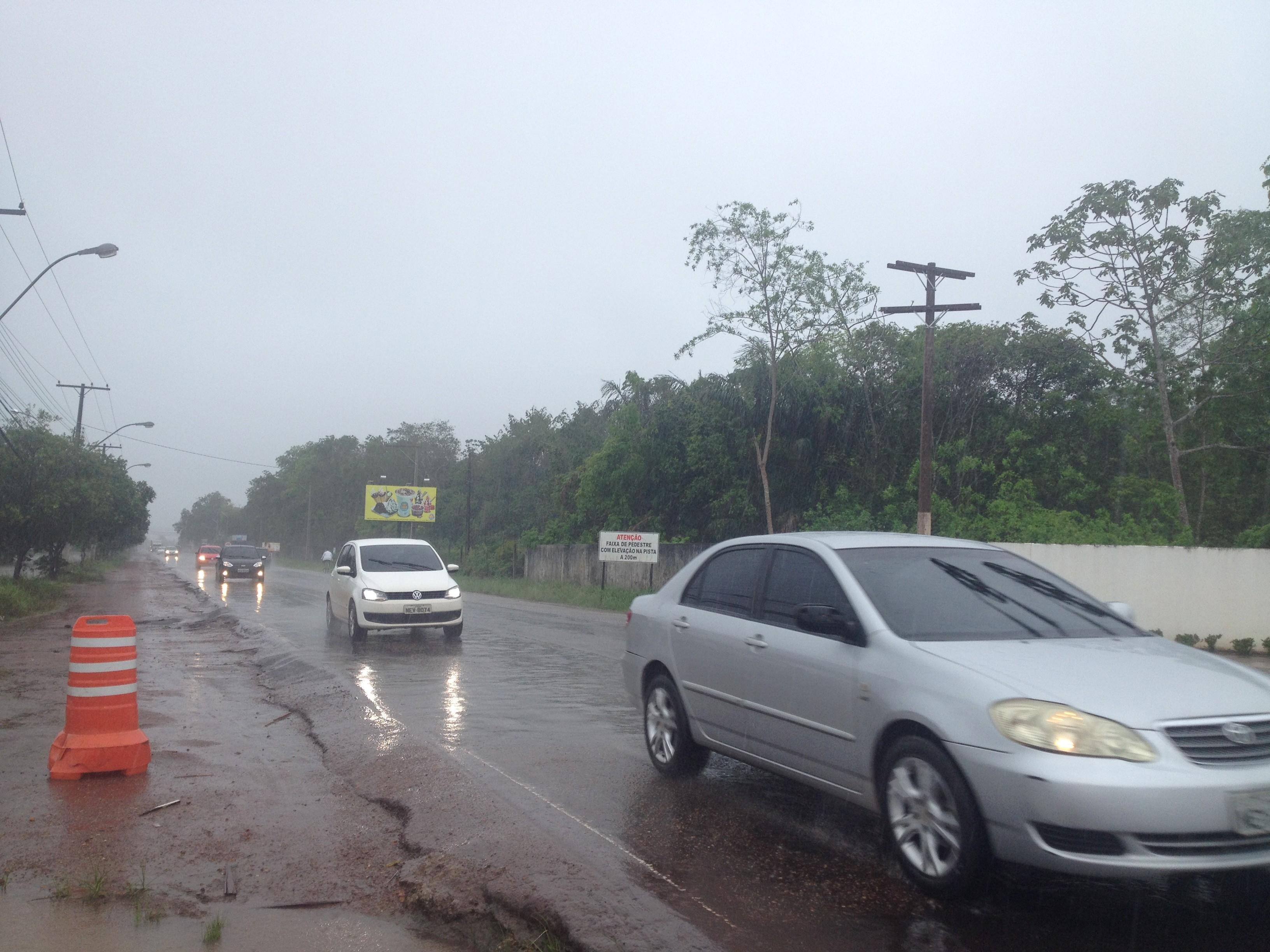 Meteorologia prevê chuvas intensas para quinta-feira, clima incomum em outubro no AP