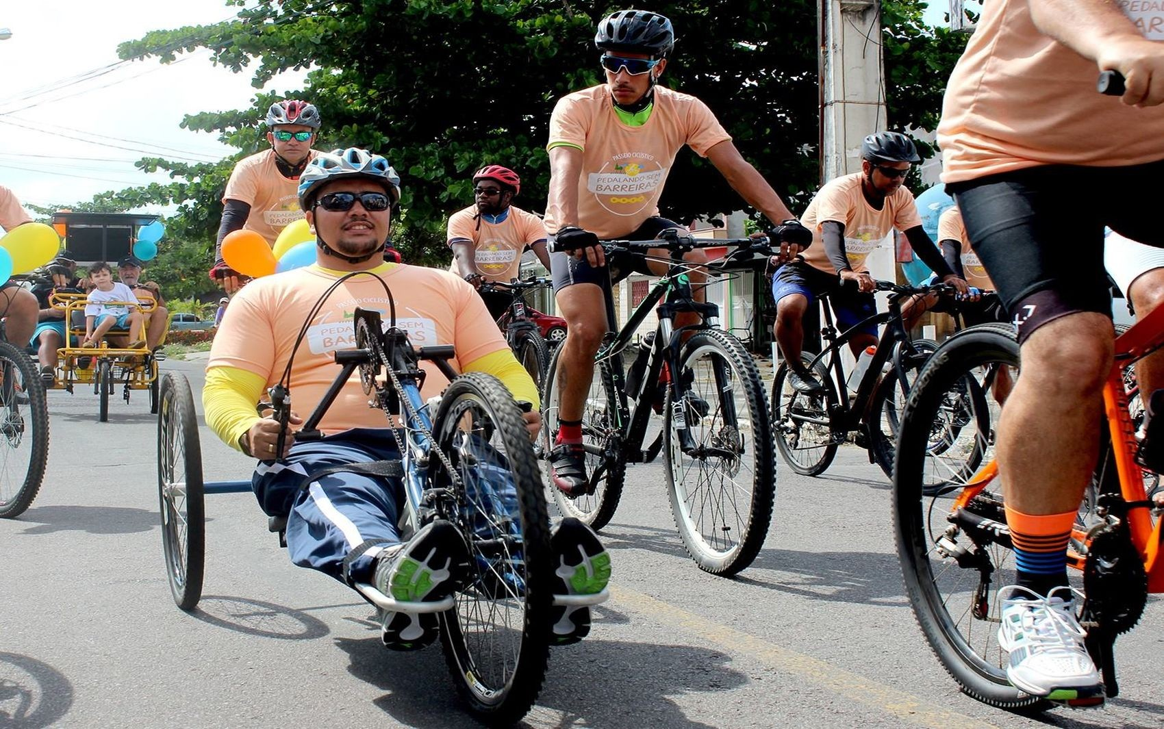 Passeio 'Pedalando Sem Barreiras' abre 7ª Semana Aracaju Acessível - Notícias - Plantão Diário