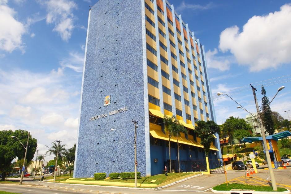 Prefeitura de São José inicia pagamento do 13º salário e injeta cerca de R$ 50 mi na economia