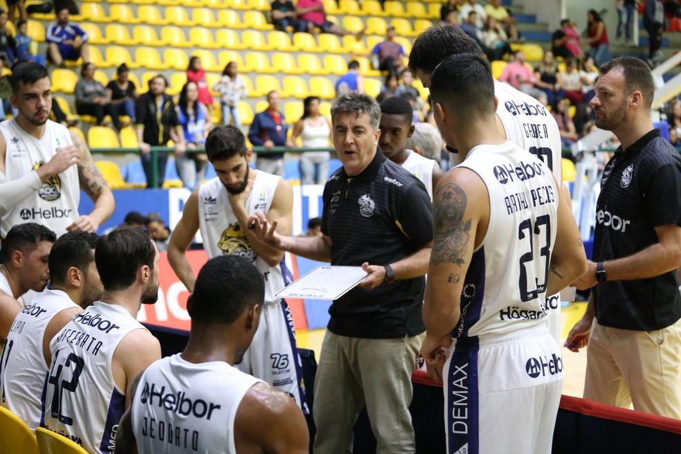 ... Guerrinha pontuou aspectos positivos e negativos da vitória do Mogi —  Foto  Antonio Penedo  69feda22217f0