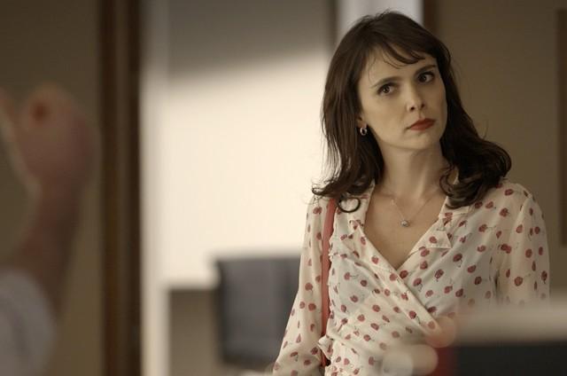 Débora Falabella é Irene em 'A força do querer' (Foto: Reprodução / Instagram)