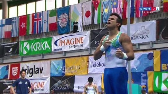 """Gustavo Polato """"tira"""" campeão olímpico do pódio e é bronze na Copa do Mundo"""