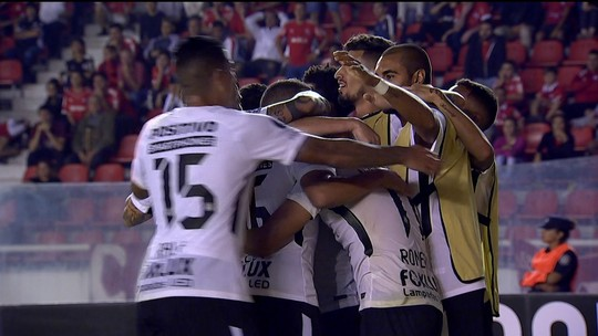 Análise: Corinthians vence na Argentina na tática, com frieza, marcação e maturidade