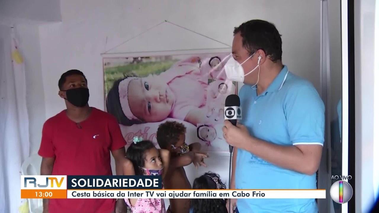 Cesta básica comprada pela Inter TV é doada para família do Jardim Esperança
