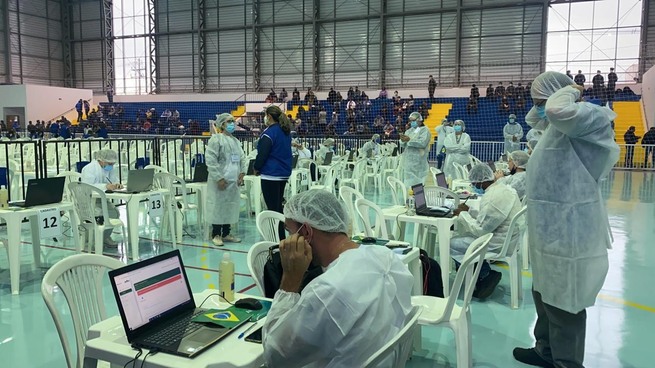 Vacinação em Botucatu: quinta semana após ação em massa tem queda nos casos de Covid