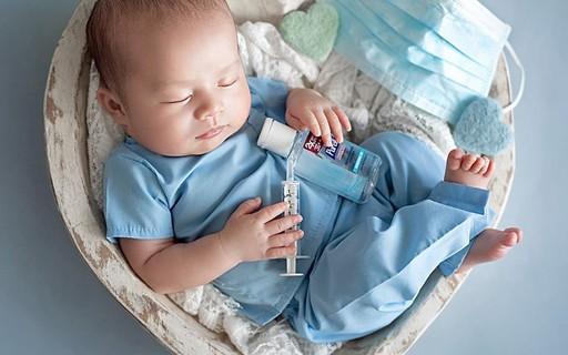 Coronavírus: ensaio newborn homenageia profissionais da saúde