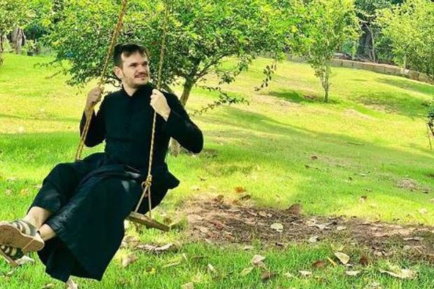 Padre Patrick Fernandes (Foto: Reprodução/ Instagram)