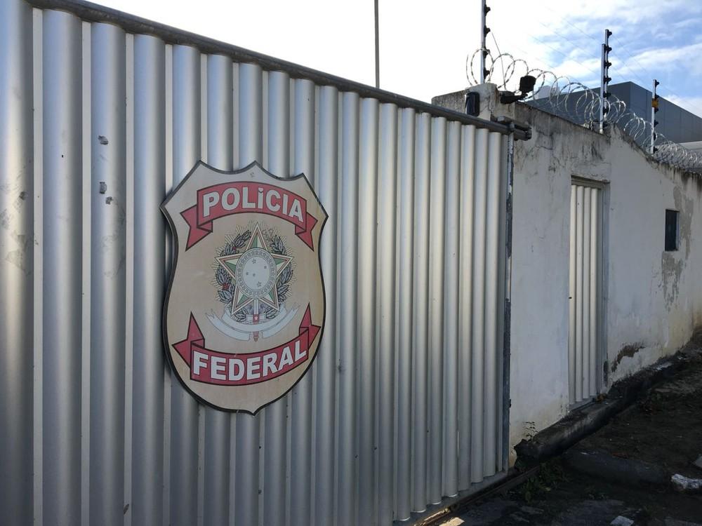 Polícia Federal em Campina Grande (Foto: Felipe Valentim/TV Paraíba)