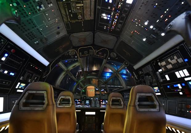 Interopr da nave Millennium Falcon, dentro do parque Star Wars: Galaxy's Edge (Foto: Amy Sussman/Getty Images)