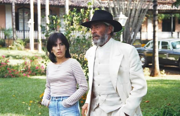 Gloria Pires contracenou com Raul Cortez em 'O rei do gado' (Foto: Divulgação/TV Globo)