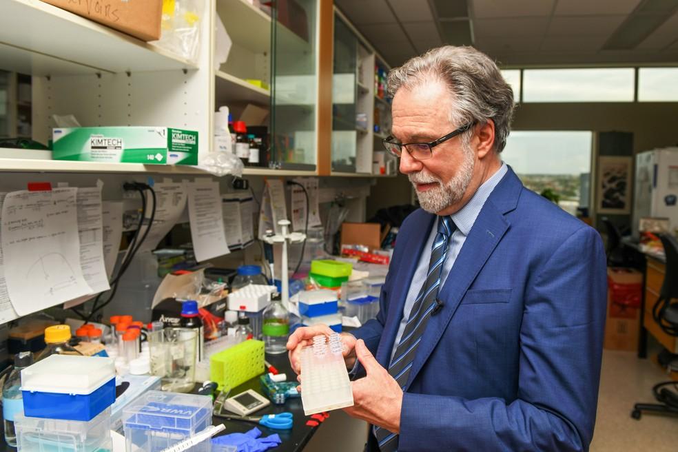 O cientista Gregg Semenza, um dos vencedores do prêmio nobel de Medicina deste ano. — Foto: Theresa Keil/Reuters