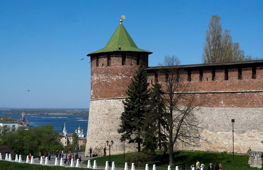 As paredes fortificadas do Kremlin de Nizhny Novgorod (Foto: Sergey Yeliseev/Creative Commons)