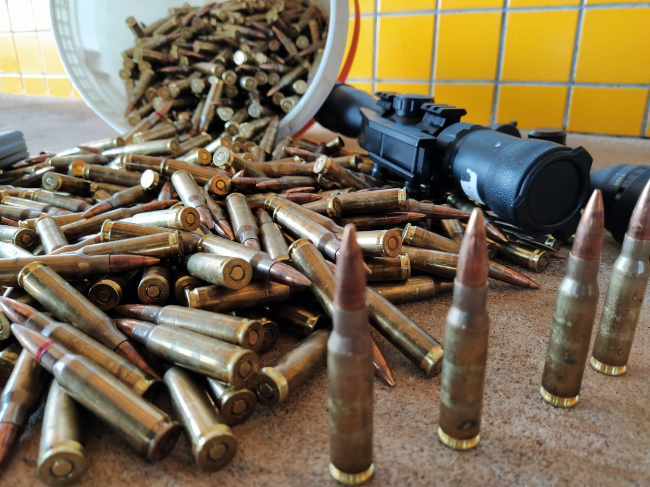 Suspeitos são presos com mais de uma tonelada de drogas e 1 mil balas de fuzil, em Cascavel