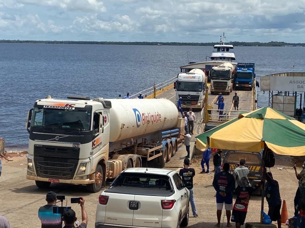 Comboio com oxigênio enviado de Porto Velho (RO) chegou a Manaus neste domingo. — Foto: Patrick Marques/G1 AM