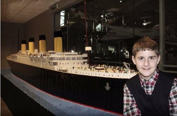 Réplica do Titanic está exposta em museu nos EUA: adolescente com autismo diz que processo de construção do navio ajudou nos relacionamentos e na escola. (Foto: Divulgação/TitanicPigeonForge.com)