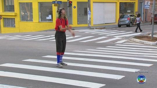 Lei que proíbe apresentação de artistas de rua em Jundiaí é julgada inconstitucional