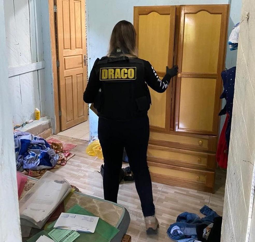 Mandado foi cumprido na residência de um vereador de Urupá (RO) — Foto: Polícia Civil/Divulgação