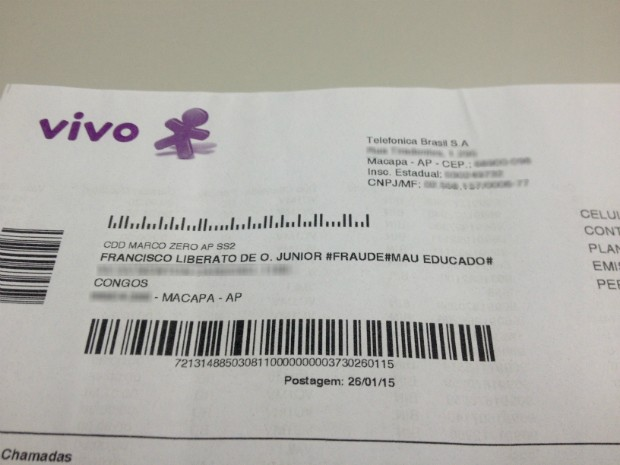 Conta de telefonia móvel foi enviada com xingamento, em Macapá (Foto: Abinoan Santiago/G1)