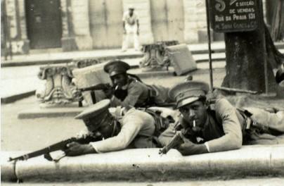 Soldados em Recife durante a Revolução de 1930